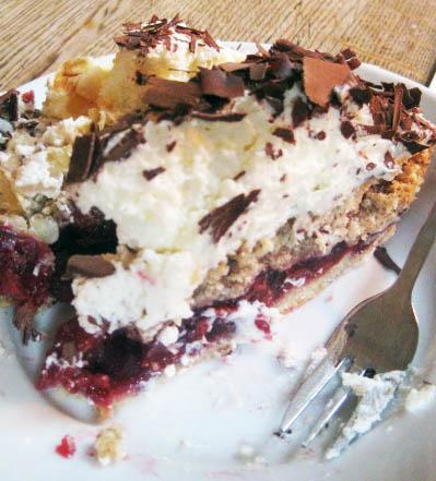 Cherry crisp cake