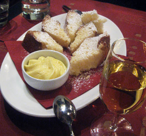 Panettone with custard and muscato wine